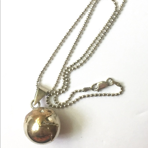Vintage Jewelry - GLOBE Sterling Silver 925 Necklace Earth planet